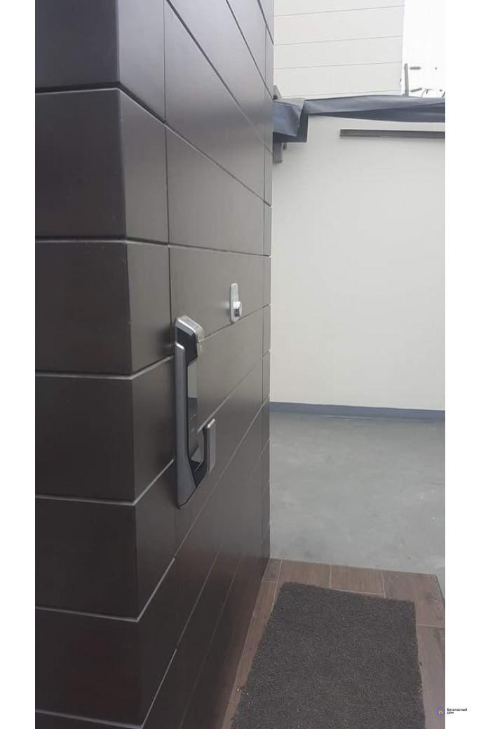 Врезной электронный дверной замок Samsung SHS-P718 Chrome с отпечатком пальца (открытие наружу), фото 5